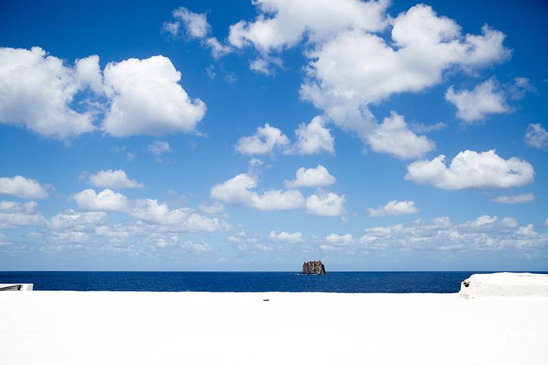 matrimonio a Stromboli: panorama strombolicchio