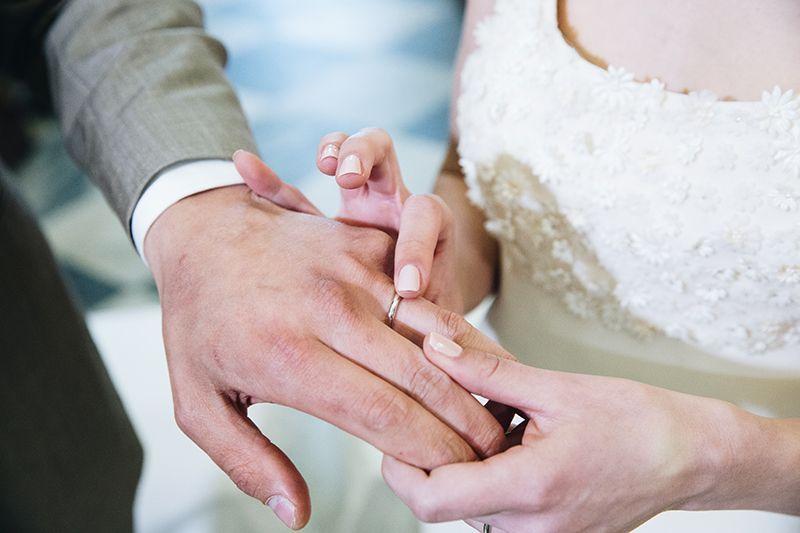 Matrimonio a Lipari: scambio anelli
