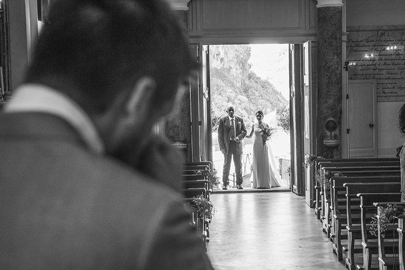 Matrimonio a Lipari: la sposa entra in chiesa
