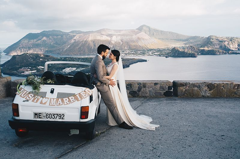 Matrimonio a Lipari: sposi con fiat 126