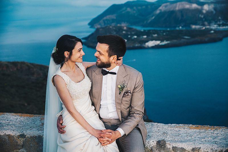 Matrimonio a Lipari: sposi ora blu