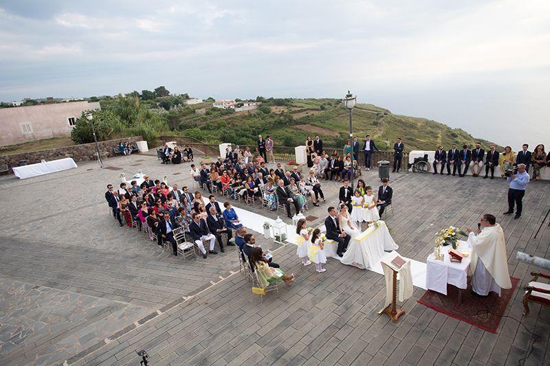 matrimonio celebrazione all'aperto chiesa vecchia quattropani