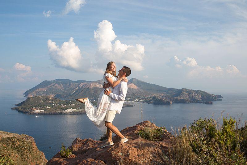 sposi isola di vulcano sfondo